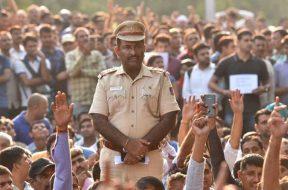 police-revolt